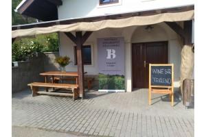Vinný bar Vyloučeného Vinařství